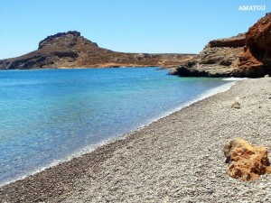 Παραλία Αμάτου: παραλία με βότσαλο, ιδανική για τις ημέρες που φυσά βοριάς