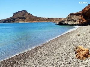 Amatou: une plage avec cailloux, idéale pour les jours avec tramontane